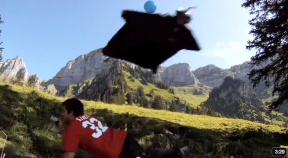 Crazy-wingsuit-flying-580x318.png