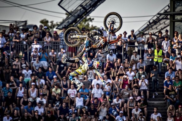 Levi Sherwood (AUS) - Action